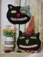 Halloween Cat & Hooked Mat